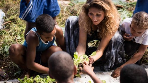 Amy teaching permaculture to fijian kids